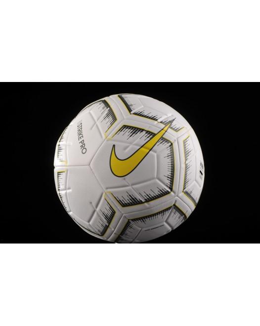 Футбольний мяч Nike Strike Pro Fifa SC3937-101